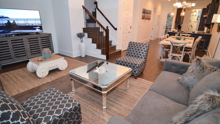 New Family Friendly Home ~ Steps to Rosemary Beach