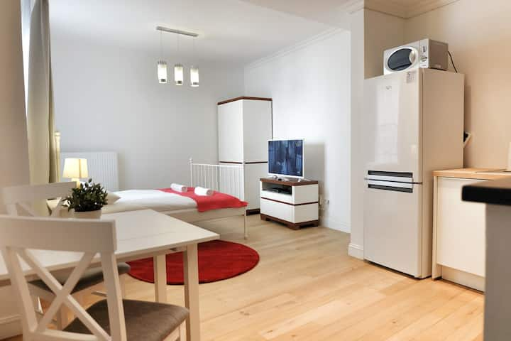 Top Spot Studio Double, 30 sqm., Blvd.Anspach