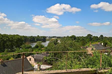Unique Troglodyte Gite - Garden and Loire Views
