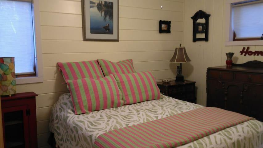 Spruce Chalet Bedroom 2 (queen)