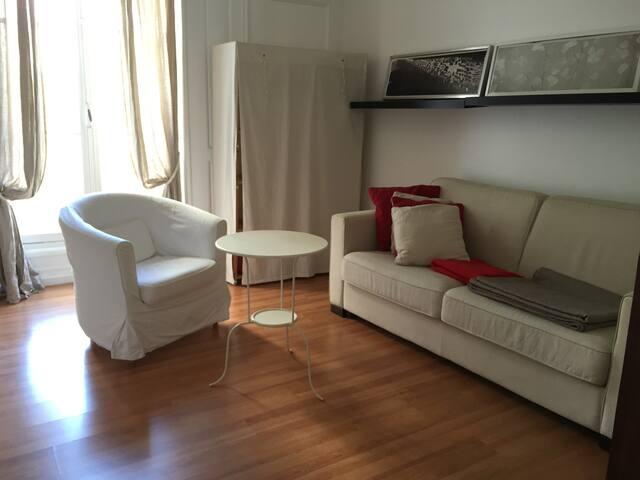 1 bedroom Chatelet/Auxerrois