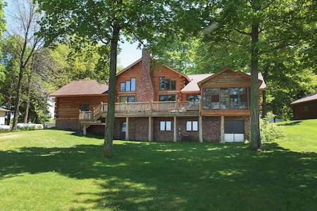 Beautiful lake home on Mille Lacs - Isle - Ház