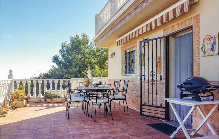 Semi-Detached with 2 bedrooms on 82m² in San Fulgencio