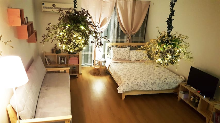 OPEN SALE 강남역 3 min walk★Romantic House★BIG SPACE