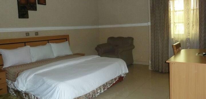 Ritz Carinton Suites - Continental Suite