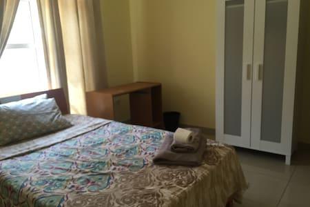 A quiet stay close to Villaggio/QF ONE15 - Doha - Villa