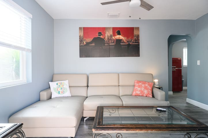 Private Casita in Downtown Hollywood for you!