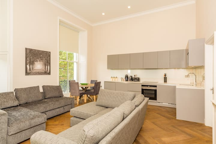 New 1 Bed flat , opposite Cromwell BUPA Hospital