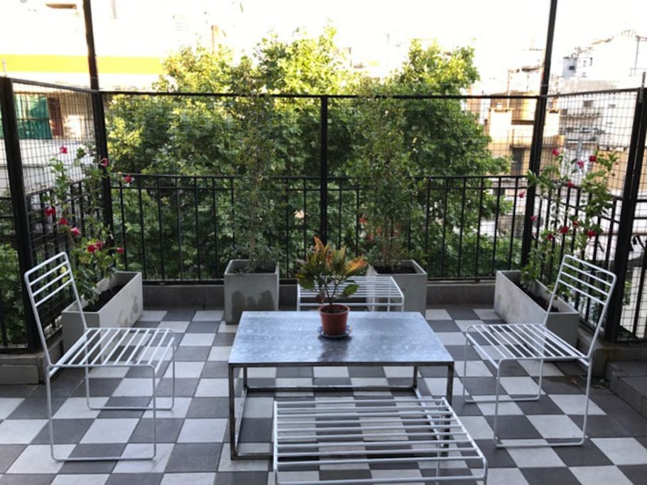 Large private terrace to enjoy breakfast or dinner