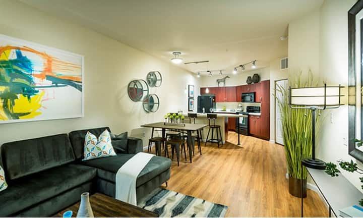 Live + Work + Stay + Easy   2BR in Lakewood
