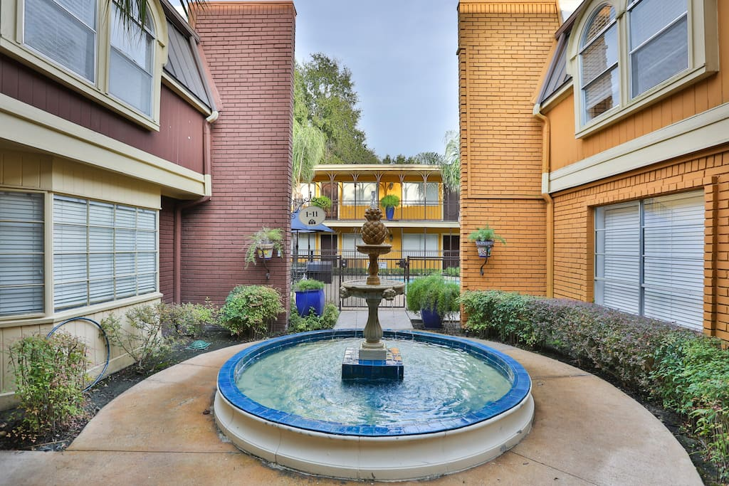 Spacious 1 Bedroom 1 Bath Great Location Pool Serviced Apartments For Rent In Houston