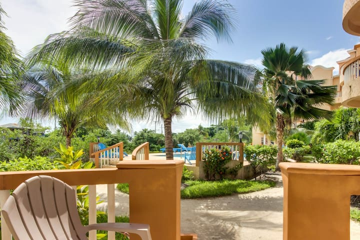 Lakefront condo w/ water views, shared pool & nearby beach access!