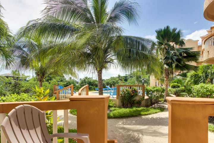 Lakefront condo w/ water views, WiFi, AC & shared pool - beach access nearby!
