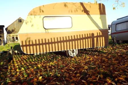 URLAUB im Wohnwagen auf Europas Campingplätzen! - Hartmannsdorf - Lakókocsi/lakóautó