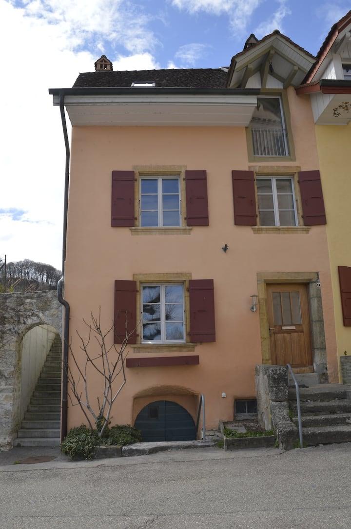 Charmante Altstadtwohnung in Erlach
