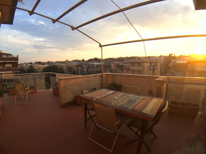 SPACIOUS APARTMENT with ROOF TERRACE in ROME