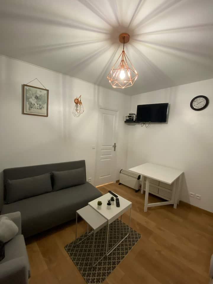 Appartement F2 situé à la gare d'Aulnay sous bois