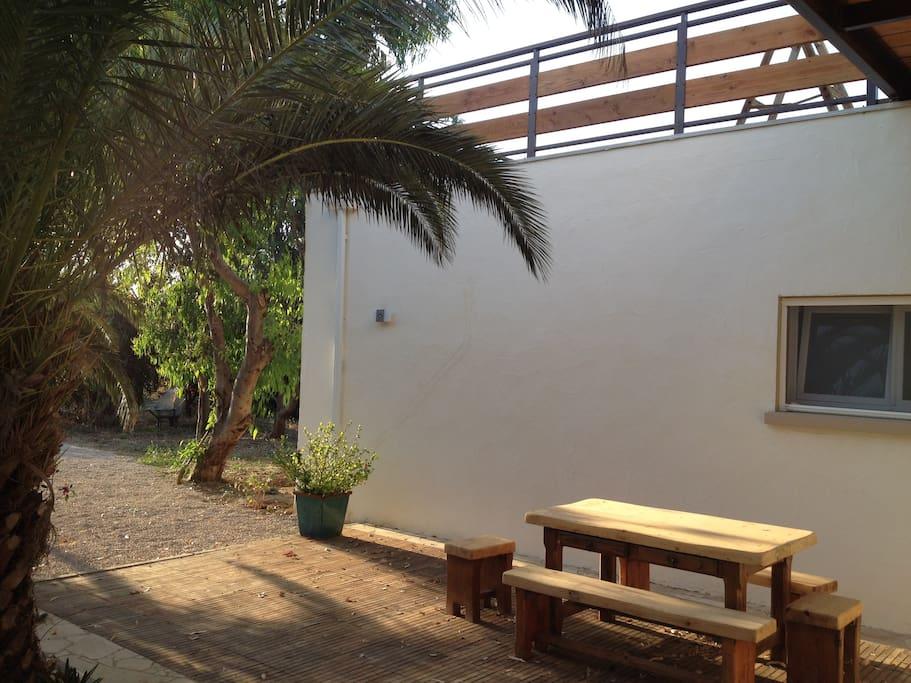 terrasse ouest et entrée