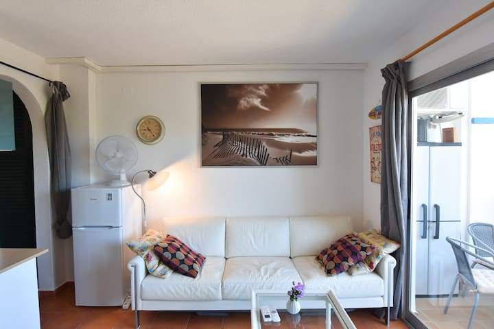 Lovely 1 bedroom apartment in Alla Dins