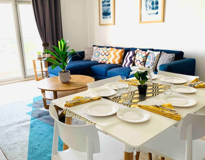 Luxurious With Company Condominium - The Gallery
