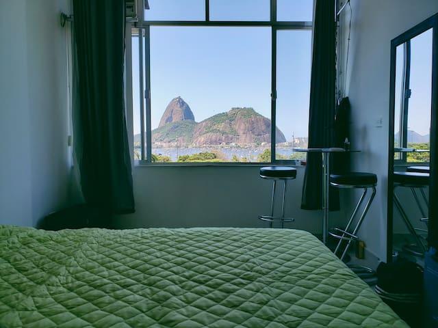 Apartamento em frente a Praia de Botafogo completo