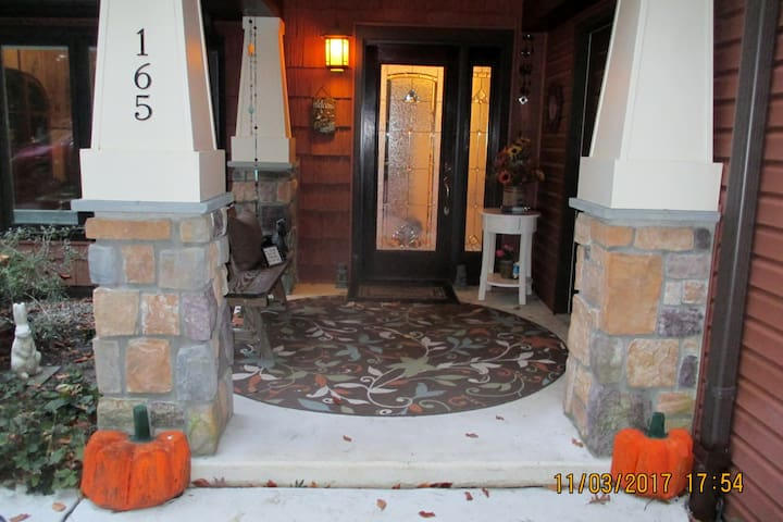 Ring this doorbell to check in unless other arrangements have been made.  Note Dolly at the front door, she is friendly, just squat down clap hands and call her by name should you encounter her the first time out back.