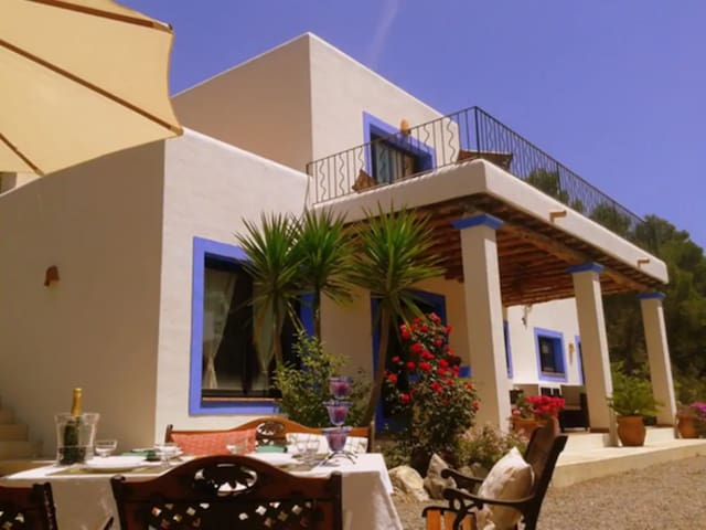 """Beautiful Holiday Home """"Finca Sa Bardella"""" in the Country with Mountain View, Wi-Fi, Balcony, Terrace, Garden & Pool; Parking Available"""