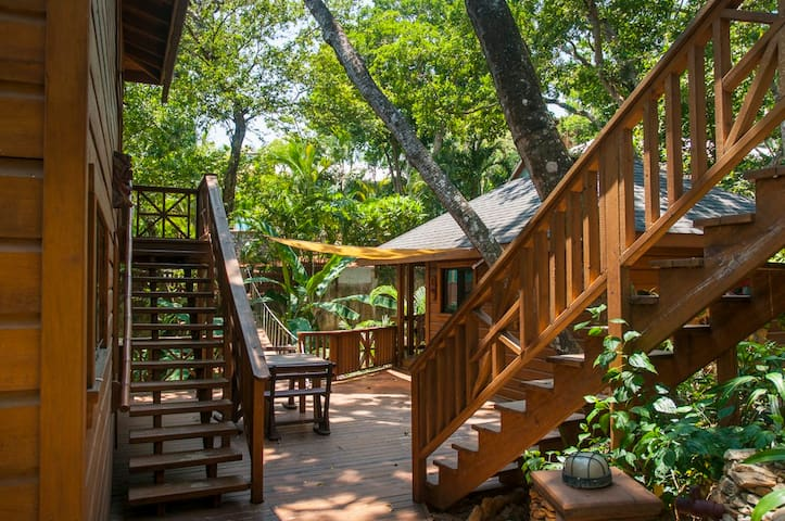 Private Treehouse 1 Bdrm Amazing Views SEAHORSE