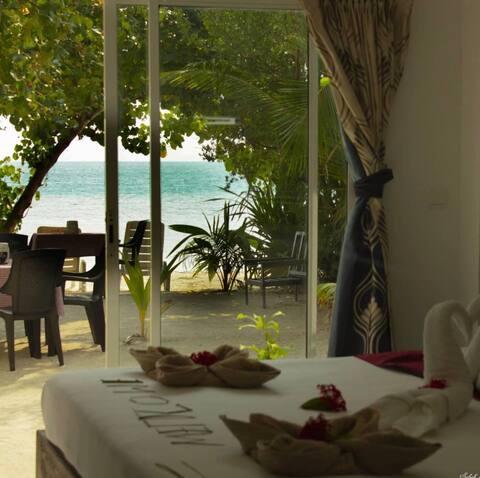 Beach Villa-Private Beach, Snorkeling,Island Tour