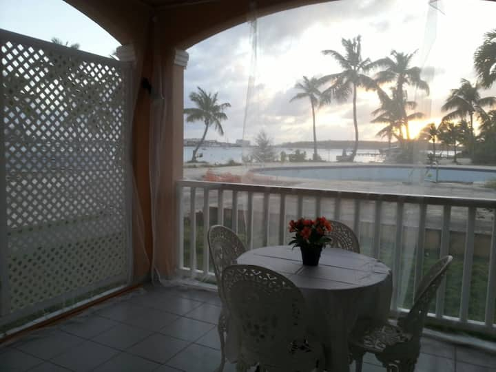 Amazing apartment with  sunset on lagoon's view