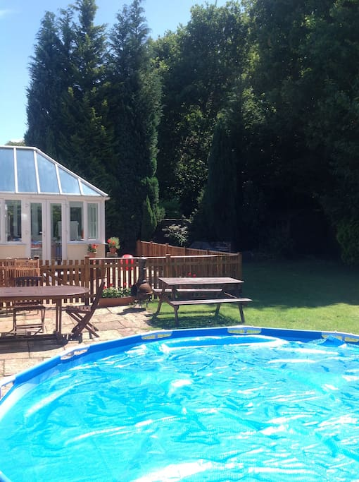 Perfect secluded garden with large splash pool, terrace and bbq