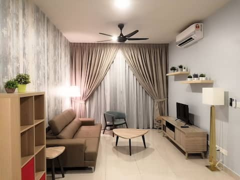 New 3+1BR Cozy Stay Wifi @Lakepark Residence (LP4)