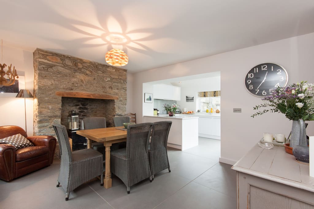 Open plan dining area with underfloor heating throughout