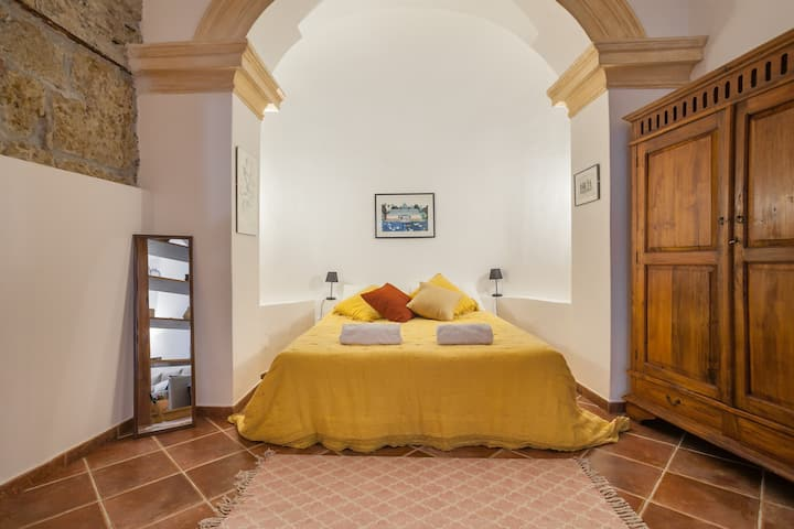 Cortile Galletti: Cool Loft with Private Courtyard