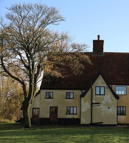 Historical Cottage3