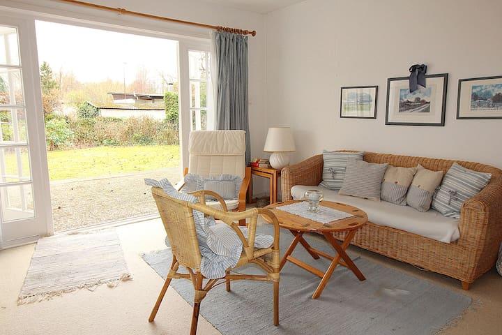 Ferienhaus in ruhiger Lage für 2-4 Personen   #100 - Timmendorfer Strand - Haus