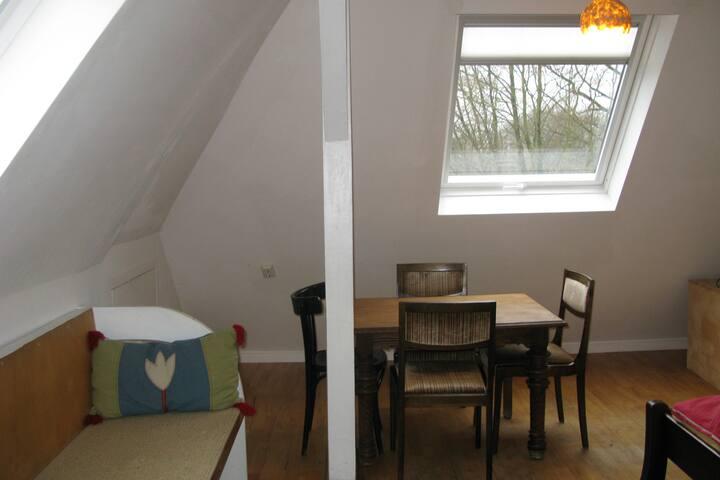Sonniges Appartement mit zwei Zimmern