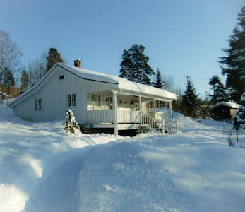 Charming house nearby Oslo (30 km) - Hus