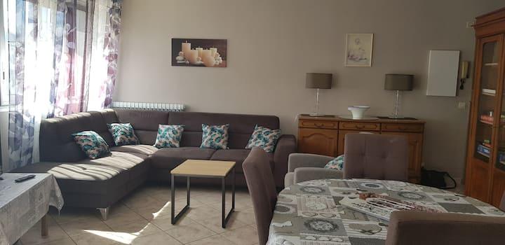 Appartement  rénové en centre ville de Briançon