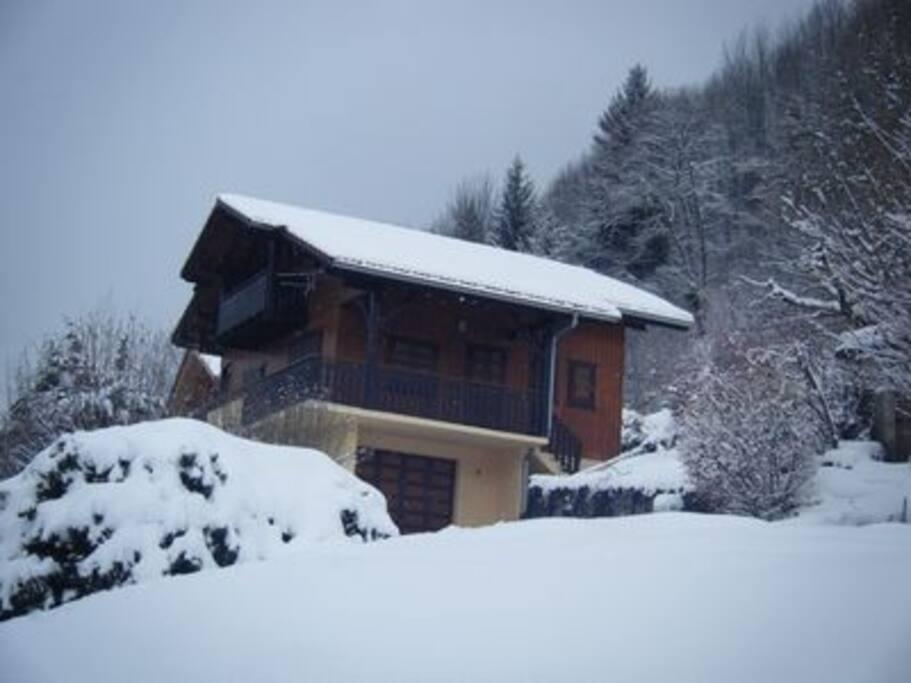 Winterland Wonder: Chalet La Chenaz