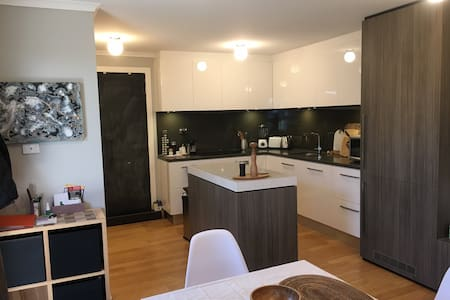 Free standing fully equipped unit - Goodwood - Appartement