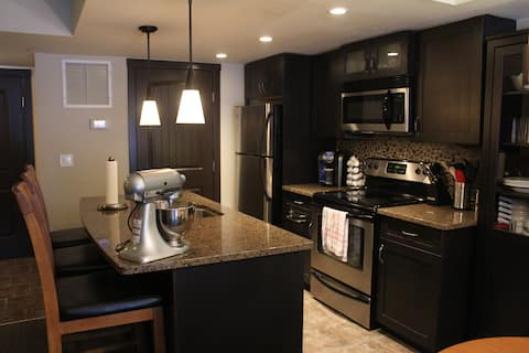 Beautiful Condo In the Bow Valley