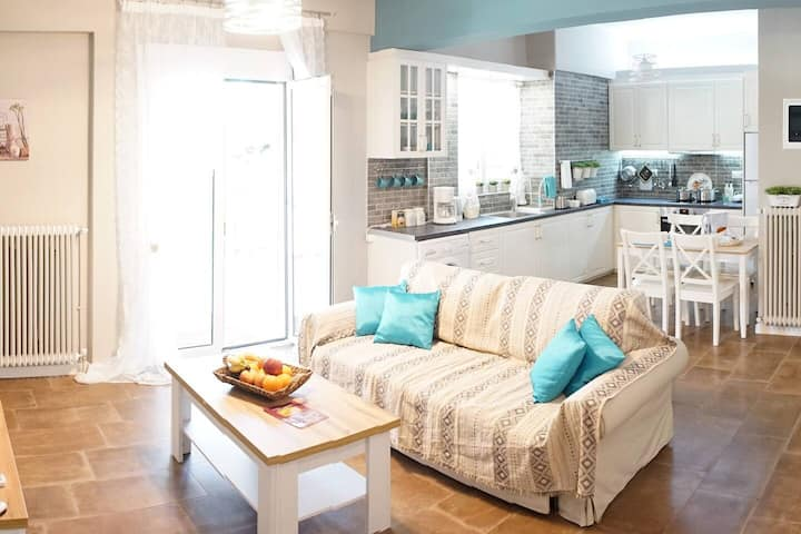 Sweet penthouse apartment In Athens City Near Acropolis