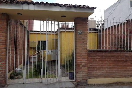 Casa en Metepec, el precio es por persona... - Metepec