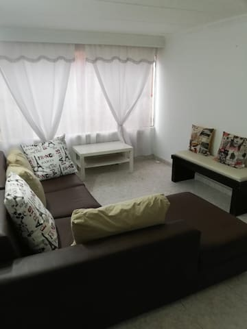 Clean and beautiful apartment in a safe area.