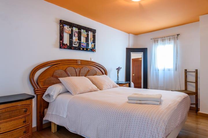 Habitación doble con WC privado- larga estancia