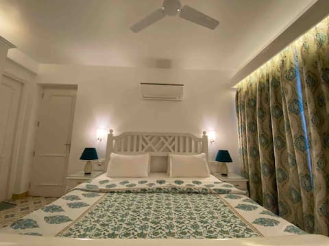 Beautiful 1BHK with Private Garden & Shared Pool