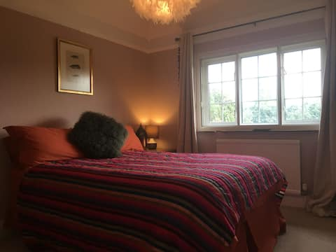 NEW - Double Bedroom in Large Country Home