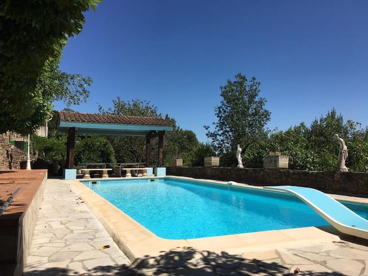 Belle maison de campagne  avec piscine