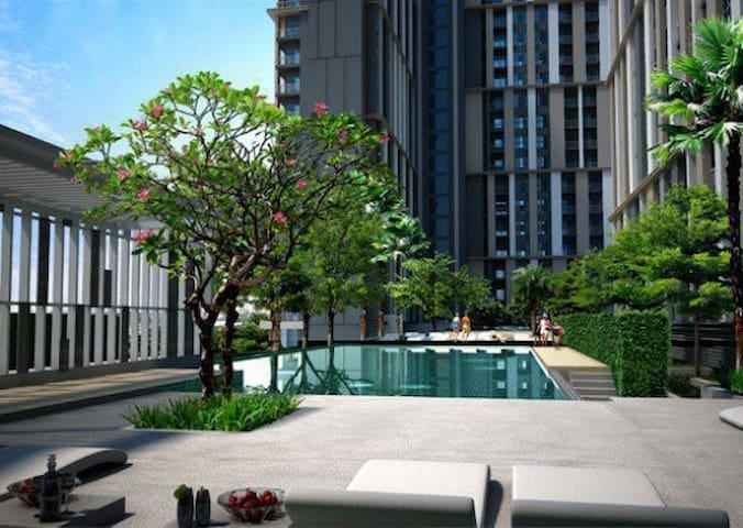 1 BR High Rise, Near Impact & DMK - Pak Kret - Condominium